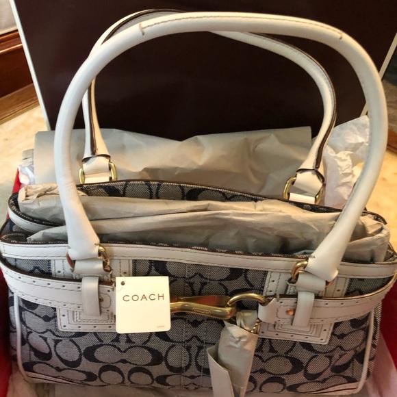 Coach Handbags - Coach Hampton Signature Bag 10507